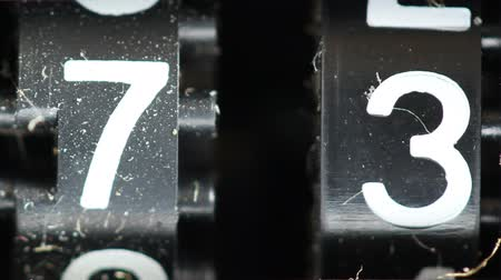 dígitos : Close-up of a cassette tape player number counter