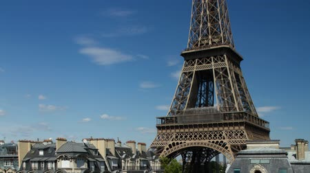 Time lapse of the Eiffel tower in Paris shot on a summer day from a unique vantage point Dostupné videozáznamy