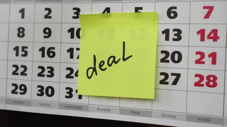 planlamacı : Deal, office calendar and stickers.