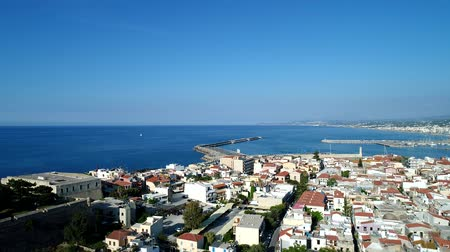 hırvatistan : Aerial view: European city against the background of the sea, Rethymno, Greece, Crete, Stok Video