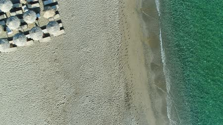 akuamarin : Aerial: beautiful sea and sandy beach without people. Stok Video