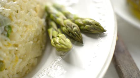 bitki : Fresh risotto with chicken and asparagus close up clips