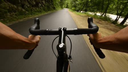 bisiklete binme : Road cycling wide angle speed shoot Stok Video