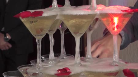martini glasses : Champagne pyramid