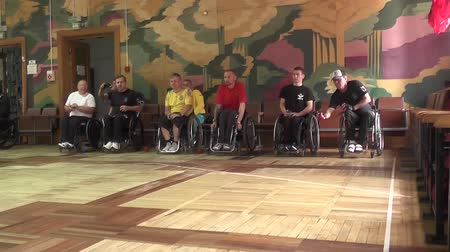 дух : People with disabilities go in for sports