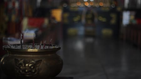 tibeti : Background about buddhism, bowl with incense