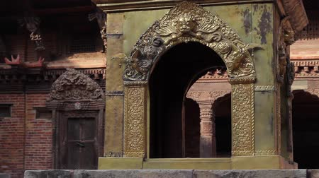 patan : The exhibits inside the Patan Museum. Slider motion