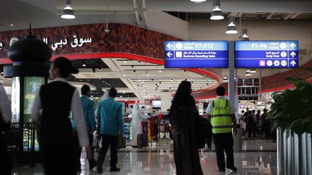 rokkant : DUBAI, UAE - 3 FEBRUARY 2015: Duty free zone of Terminal 2 Stock mozgókép