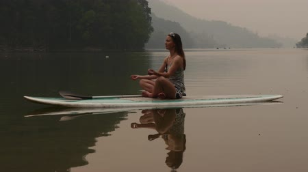 remo : Meditation on paddleboard
