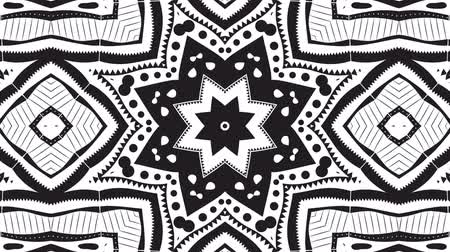 белый : Abstract black and white video clip with a kaleidoscope pattern.