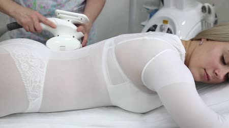 Device for removing excess fat.