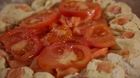 levedura : chopped tomatoes sprinkled with salt