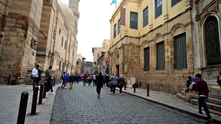 khalili : CAIRO, EGYPT - DECEMBER 20, 2017: The walk along Al Muizz (Al Moez Ldin Allah Al Fatimi) street, oldest place in Islamic Cairo with historic mosques, palaces and sabil-kuttabs, on December 20 in Cairo