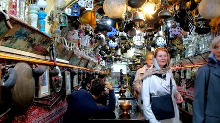 ispahan : ISFAHAN, IRAN - OCTOBER 21, 2017: Interior of Azadegan teahouse - famous place located in Naqsh-e Jahan square, with unique interior decoration - collection of bric-a-brac, on October 21 in Isfahan.
