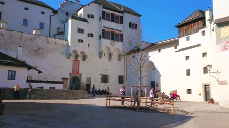 citadela : SALZBURG, AUSTRIA - FEBRUARY 27, 2019: The inner square of medieval Hohensalzburg castle with preserved buildings, nowadays serving as museum complex, on February 27 in Salzburg.