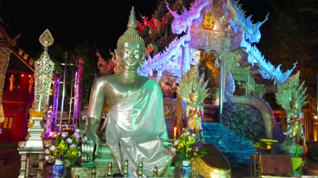 gravure : CHIANG MAI, THAILAND - MAY 4, 2019: The evening view of Silver Temple (Wat Sri Suphan) with silver Buddha Image on the foreground, on May 4 in Chiang Mai