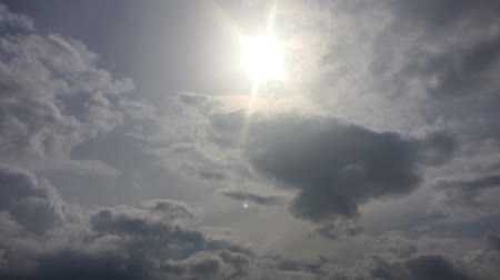 Sun and clouds time-lapse Wideo