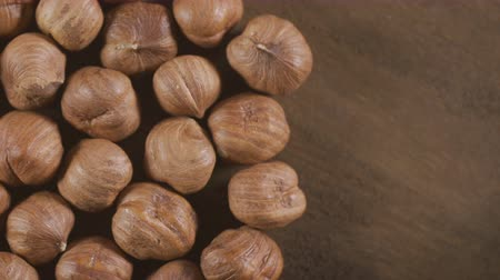 avelã : organic hazelnuts loopable rotation video Stock Footage