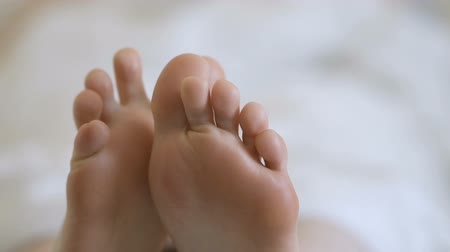 pedikür : Female feet with skin peeling off. Foot peeling after the procedure.