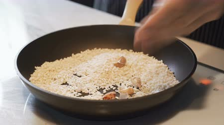 speciality : Cooking risotto with leek, Italian style