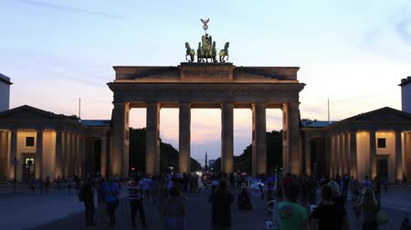 berlin skyline : Berlin - Brandenburg Gate - Time Lapse