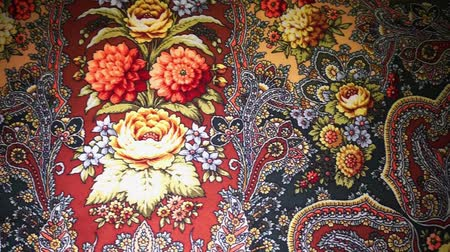 desenli : Russian souvenir Pavlovo Posad shawl. Dolly motion. Stok Video