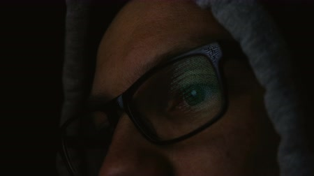 kraker : Command line is reflected in the programmer glasses close-up, 4k Stok Video