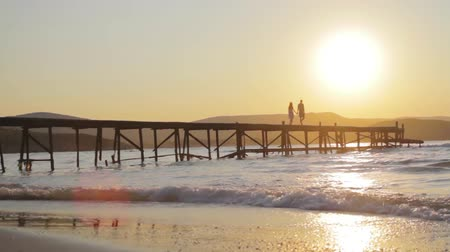 amor : Love Concept Couple at Sunset Walking Pier Beach Holiday HD