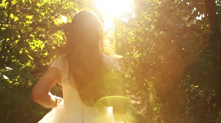 nevěsta : Vintage Dress Bride Running Slow Motion Forest Sun HD