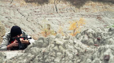 autoridade : War Concept Terrorist Waiting to Ambush Rifle War Concept Stock Footage