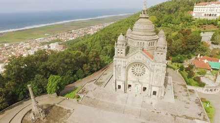 couvent : Eglise Voyage architecture Santa Luzia Portugal Drone Sanctuary Viana Do Castelo célèbre historique Europe du Sud Dôme Façade Arbres Ornement Vue Paysage Vieux