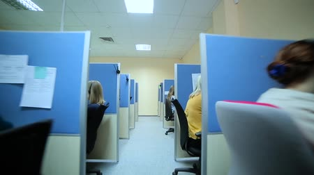 temsilci : Girls working in a call center. Stok Video