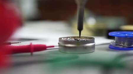 bilezik : The working soldering iron close-up.