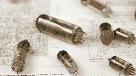 obsoleto : Different electronic vacuum tubes