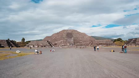 meksyk : HYPERLAPSE OF THE PYRAMIRES OF TEOTIHUACAN Wideo