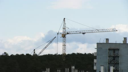 site : Timelapse of working tower crane