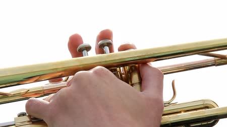 trombeta : Musician hand plays on trumpet Stock Footage