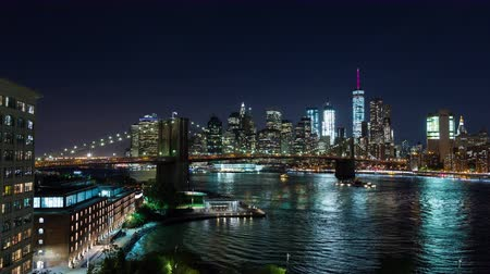 império : Brooklyn Bridge and Manhattan, New York City at Night Timelapse