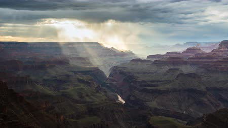 velg : Grand Canyon Regenval en Donkere Wolken Timelapse Stockvideo