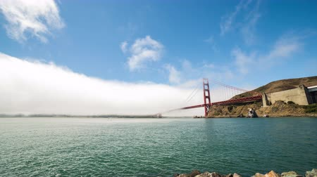 pyramida : Golden Gate Bridge With Fog San Francisco Day Timelapse Dostupné videozáznamy