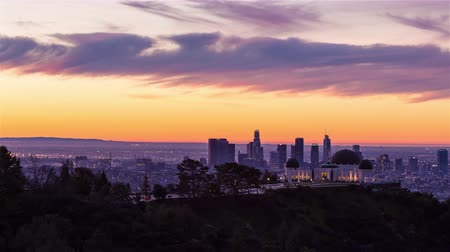 универсальный : Los Angeles and Griffith Observatory Sunrise Timelapse Стоковые видеозаписи