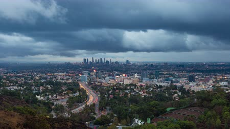 gün : Los Angeles and Hollywood Day To Night Sunset Timelapse With Clouds