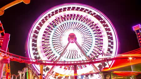 gün : Santa Monica Pier Pacific Park Ferris Wheel Timelapse Stok Video