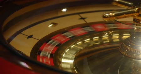 Close up shot of a casino roulette in motion... Wideo