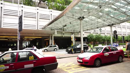 kl sentral : KL SENTRAL, KUALA LUMPUR-MARCH 21. 2015: Taxis lined up waiting to take passengers on March 21, 2015 in KUALA LUMPUR, MALAYSIA.Taxis and rental cars increased between 20 and 67% with immediate effect.