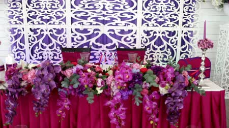hortênsia : Table set for wedding dinner decorated with flowers