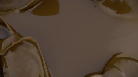 caramel splash : Melted chocolate in slow motion