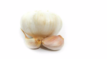 sarımsak : garlic  rotate on white background