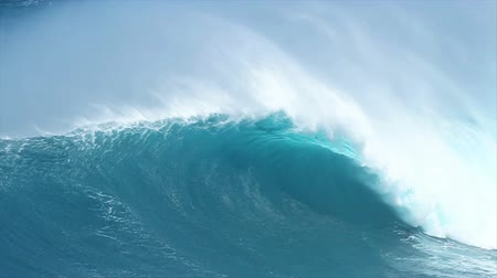 воды : Giant Blue Ocean Wave Стоковые видеозаписи