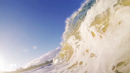 Sandy Ocean Wave Crashing on the Beach in Slow Motion Wideo